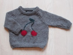 astas Cherry Sweater grey/ red cherry-20