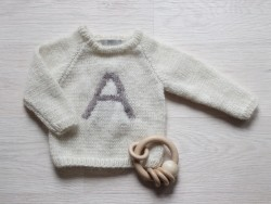 Astas Sweater Fluffy A-Letter creme/brown A-20